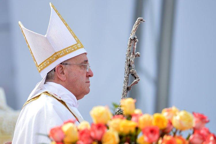 Dimanche dernier, le pape François avait condamné fermement... (Photo: AFP)