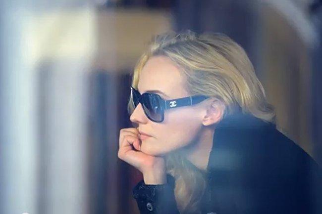 Diane Kruger incarne la nouvelle ligne de cosmétiques... (Photo tirée de YouTube)