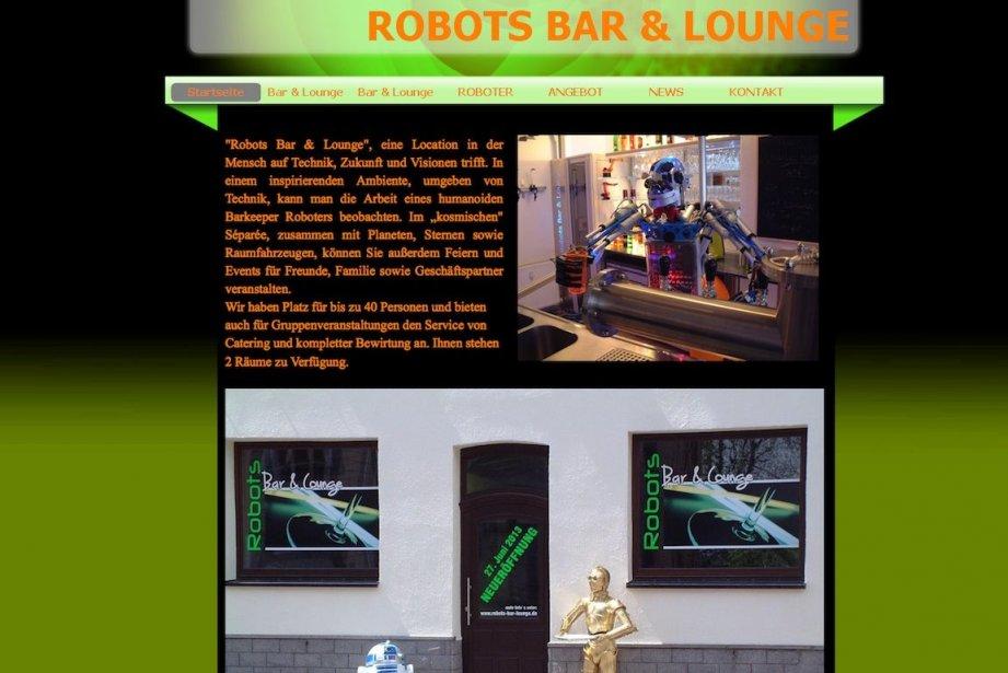 Le robot humanoïde Carl sur son lieu de... (Photo tirée du site hs-robots.de/robots-bar-lounge)