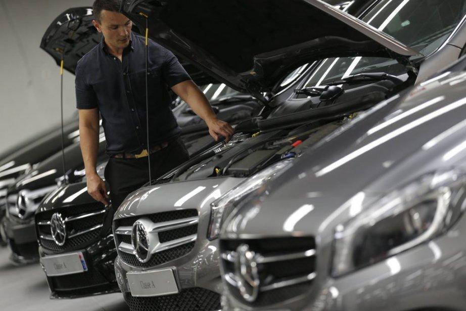 Alors queles ventes de Mercedes-Benz ont fortement accéléré... (PHOTO CHRISTIAN HARTMANN, REUTERS)