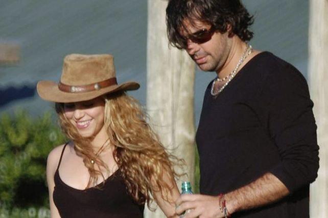 Shakira et Antonio de la Rua photographiés en... (Photo: archives AP)