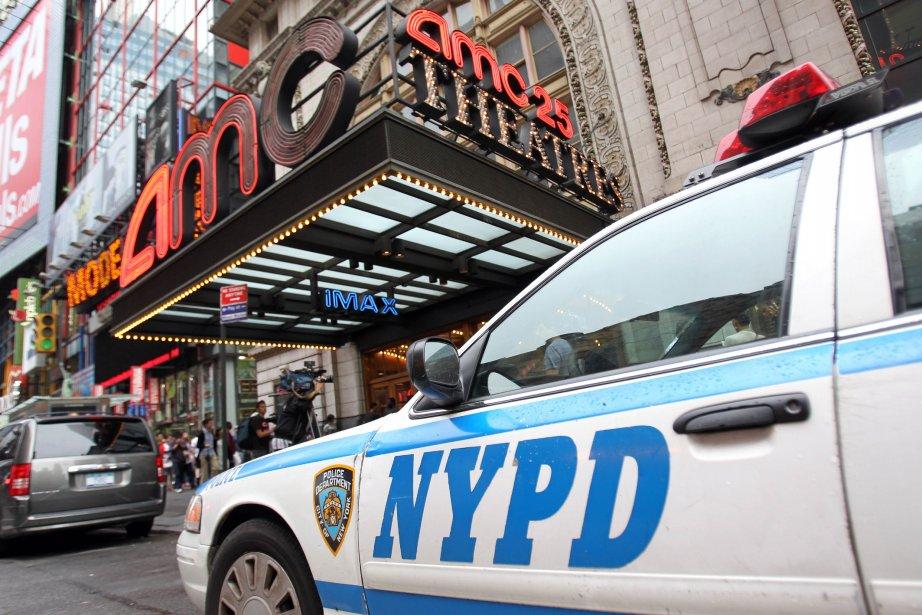 Une recrue du service de police de New York a... (Photo MEHDI TAAMALLAH, AFP)