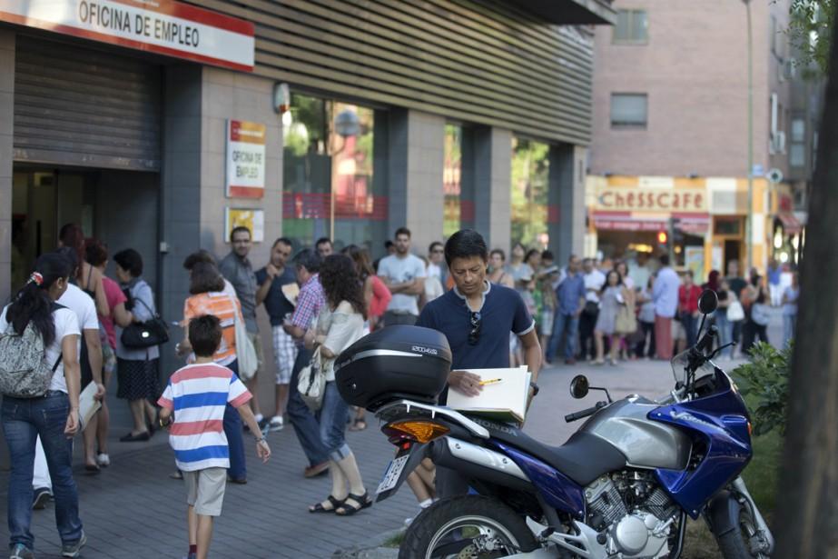 Le nombre de personnes inscrites au chômage a... (PHOTO PAUL WHITE, ARCHIVES AP)