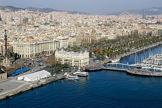 Barcelone a accueilli les Jeux d'été de 1992.... (PHOTO ARCHIVES)