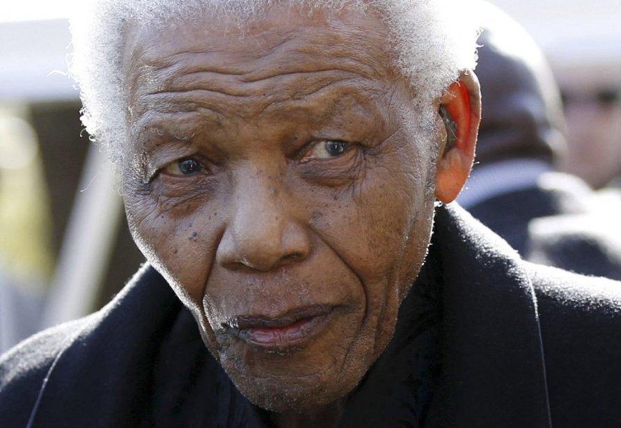 Nelson Mandela en 2010.... (Photo Siphiwe Sibeko, Reuters)