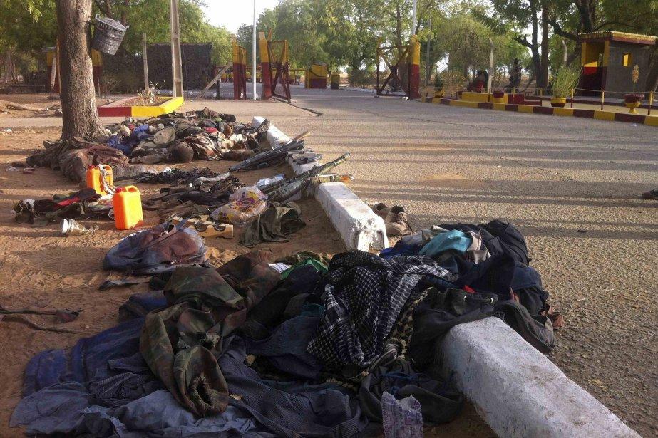 Des corps ont été retrouvés dans la localité... (Photo Reuters)