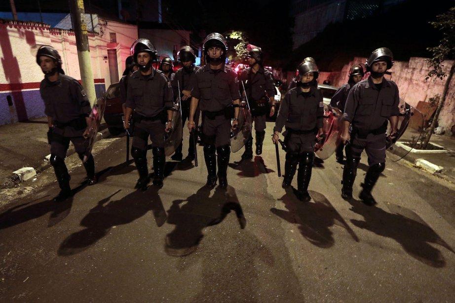Le détachement de 180 policiers militaires envoyé sur... (Photo Miguel Schincariol, AFP)