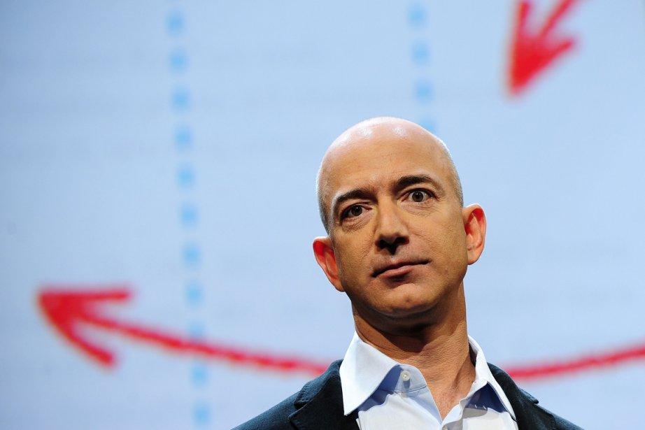 Jeff Bezos, dont la silhouette au crâne chauve... (Photo Emmanuel Dunand, AFP)