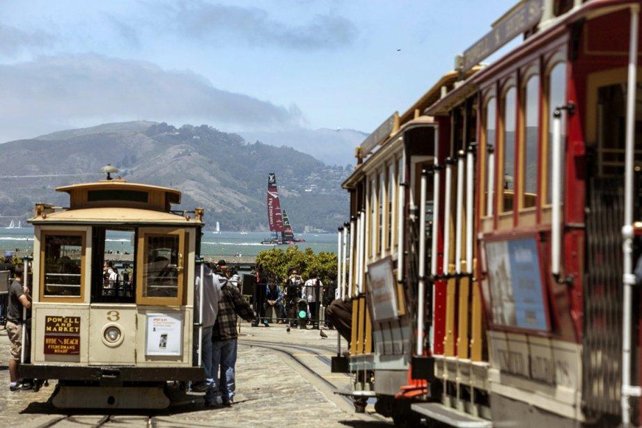 Rien comme une balade en cable car pour visiter les quartiers historiques de San Francisco. (Photo Reuters)