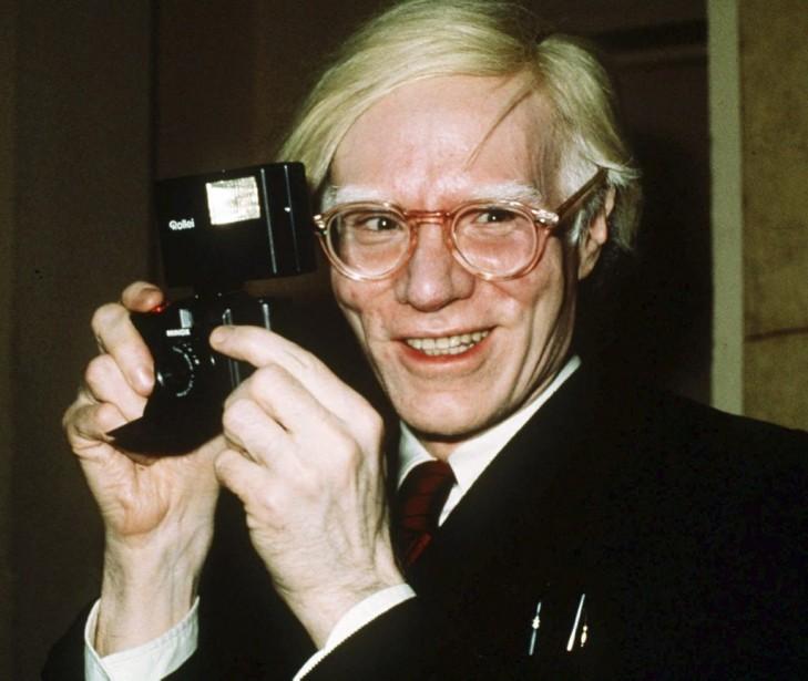 Andy Warhol photographié en 1976 à New York.... (Photo: archives AP)