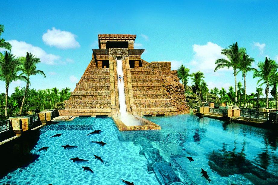 Le tunnel du Temple Maya permet d'admirer les... (Photo fournie par KERZNER INTERNATIONAL HOLDINGS LIMITED)