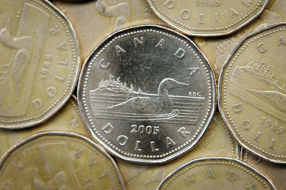 Le dollar américain cotait 104,27 cents CAN, en... (PHOTO SHAUN BEST, REUTERS)