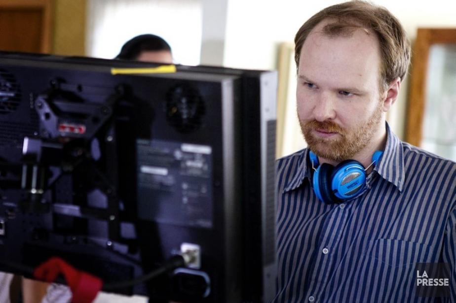 Le réalisateur Stéphane Lafleur sur le plateau de tournage de... | 2013-08-07 00:00:00.000