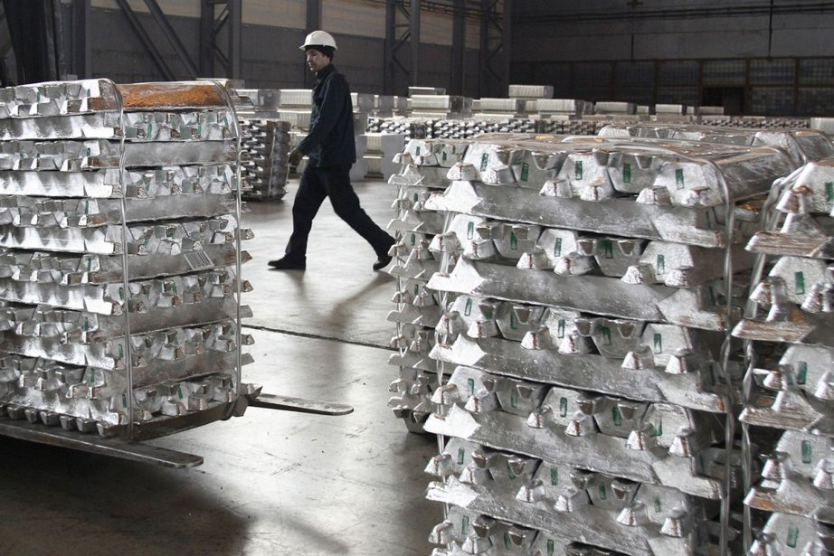 Les prix de l'aluminium auraient ainsi été gonflés... (PHOTO REUTERS)
