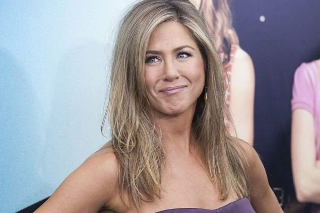 Jennifer Aniston Looks Pregnant September 2013 Photo   Short Hairstyle ...
