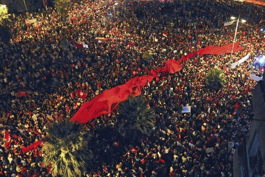 Des manifestations contre le pouvoir islamiste sont quasi... (Photo Hassene Dridi, Associated Press)