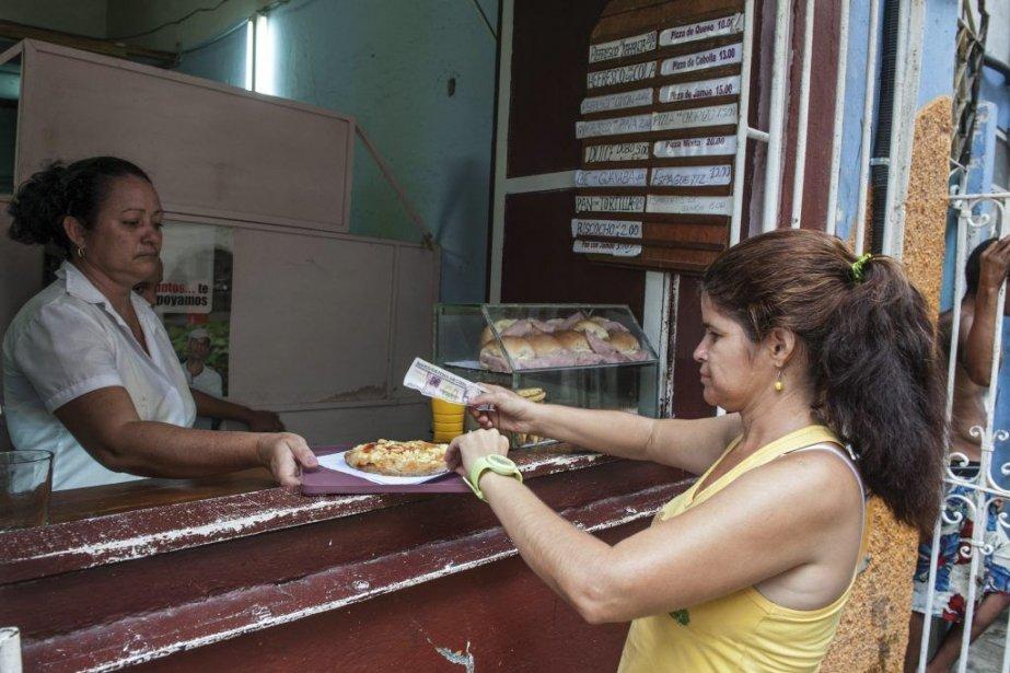 À Cuba, le même repas coûte aujourd'hui quinze... (PHOTO AFP)