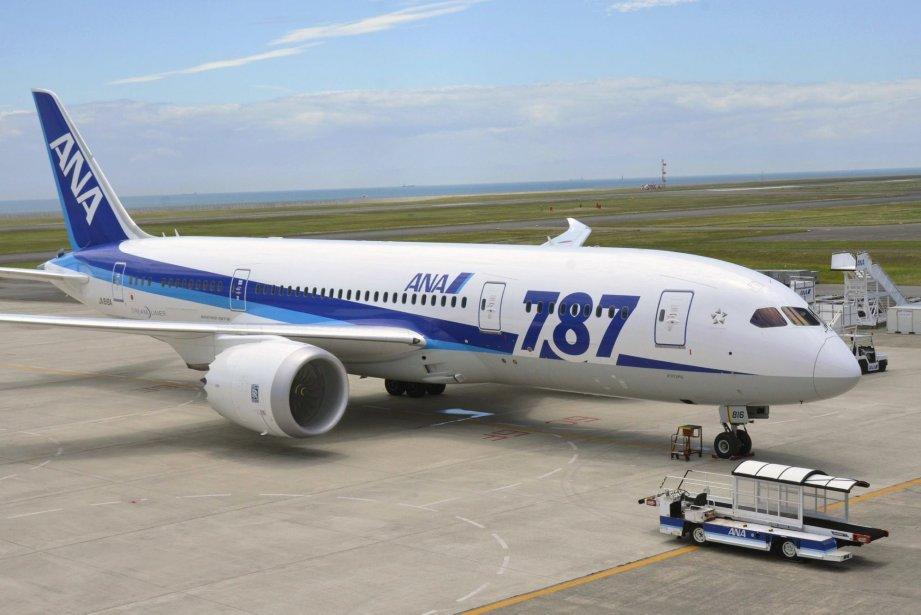 Le gros porteur de Boeing 787, dit «Dreamliner»,... (Photo Kyodo News)