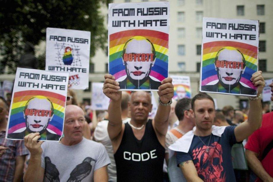 Des manifestants demandaient le boycott des jeux de... (PHOTO ANDREW COWIE, agence france-presse)