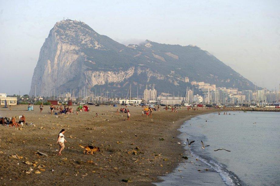 À Gibraltar, unterritoire de 7 kilomètres carrés, le... (PHOTO MARCOS MORENO, AP)
