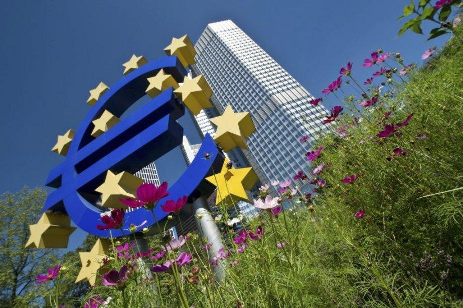 Les bailleurs de fonds internationaux devront octroyer de... (PHOTO BORIS ROESSLER, AFP)