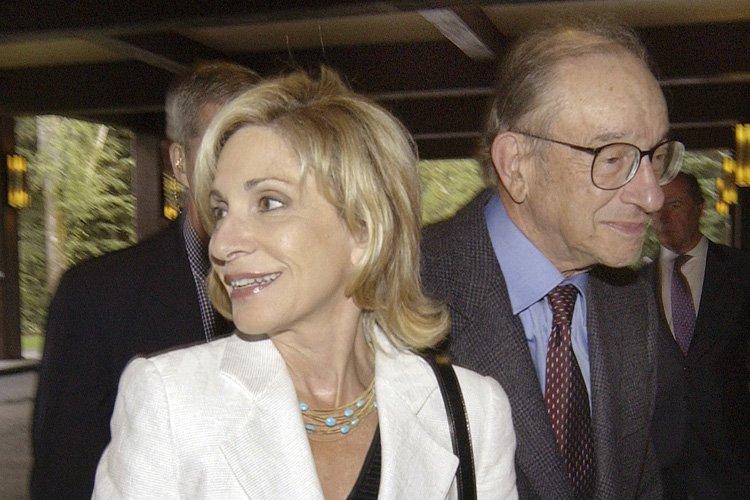 Andrea Mitchell et son mari, l'ex-président de la... (Archives Bloomberg)