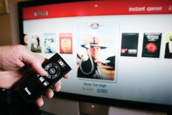 Un groupe comme Netflix, qui propose films et... (Photo: archives La Presse Canadienne)