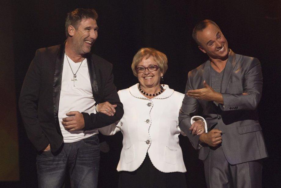Peter MacLeod et Gino Chouinard ont accompagné sur scène la mairesse Colette Roy-Laroche, qui a été longuement ovationnée. | 14 août 2013