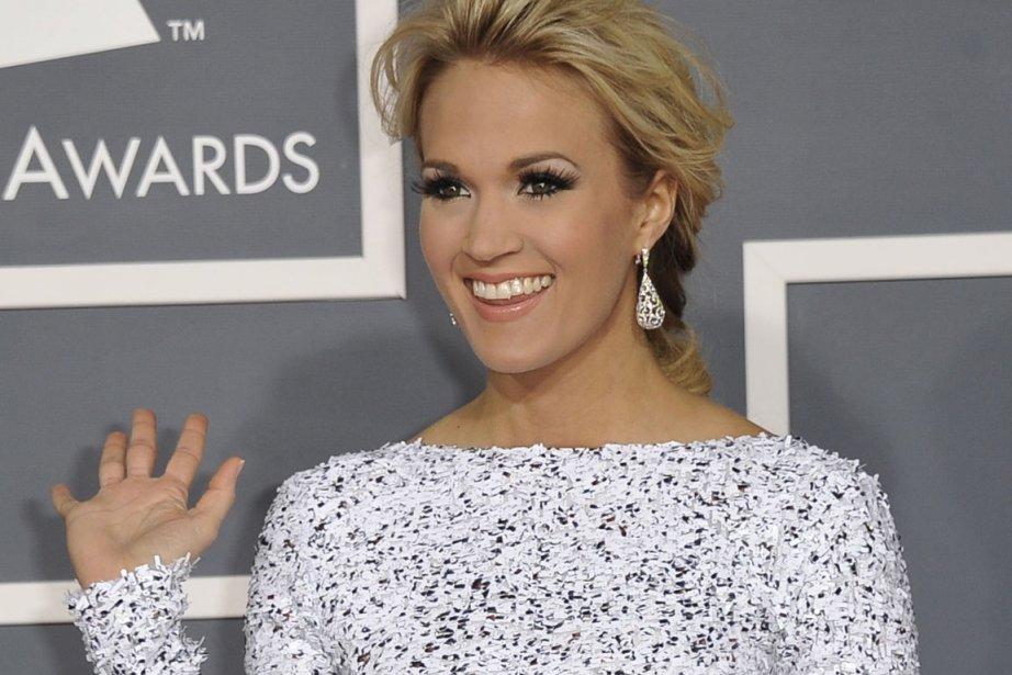 La chanteuse Carrie Underwood lors de la 54e... (PHOTO JOE KLAMAR, AFP)