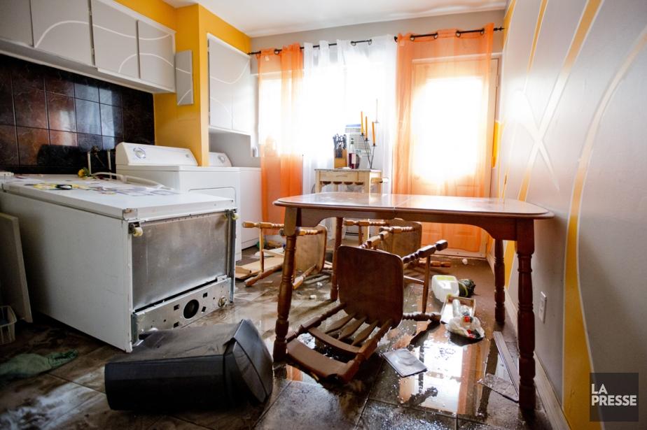 Dans le logement de Mme Huard, le plancher... (PHOTO DAVID BOILY, LA PRESSE)