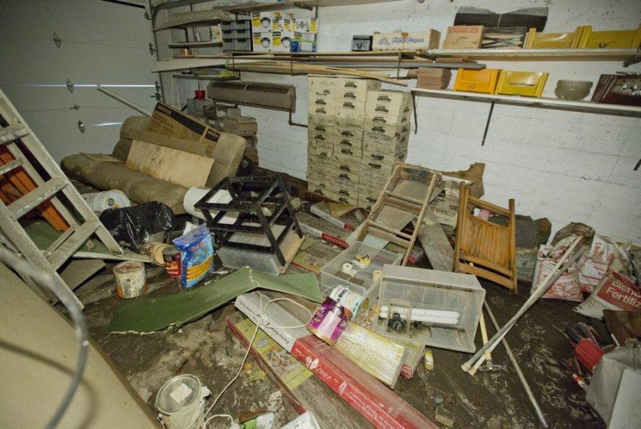 Un garage en piteux état après les inondations. | 14 août 2013