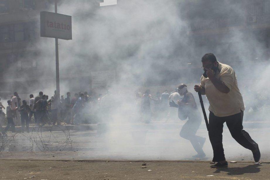 L'état d'urgence a été décrété plus tôt mercredi... (Photo Asmaa Waguih, Reuters)