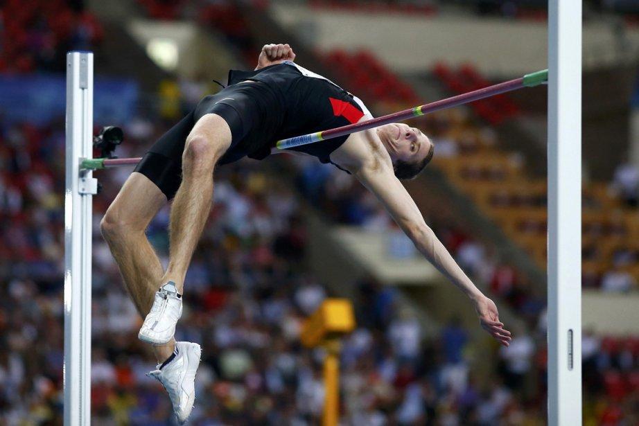Derek Drouin a également abaissé le record canadien... (Photo : Kai Pfaffenbach, Reuters)