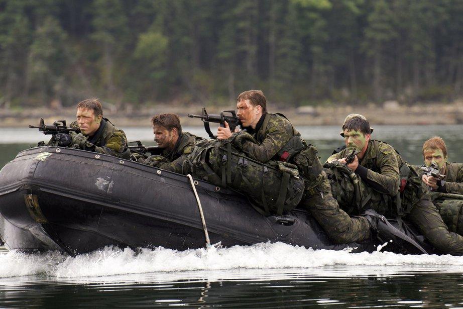 Des soldats en formation à Halifax.... (Photo Andrew Vaughan, PC)