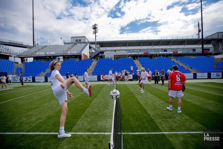Le soccertennis fera son entrée à Montréal samedi... (PHOTO MARCO CAMPANOZZI, LA PRESSE)