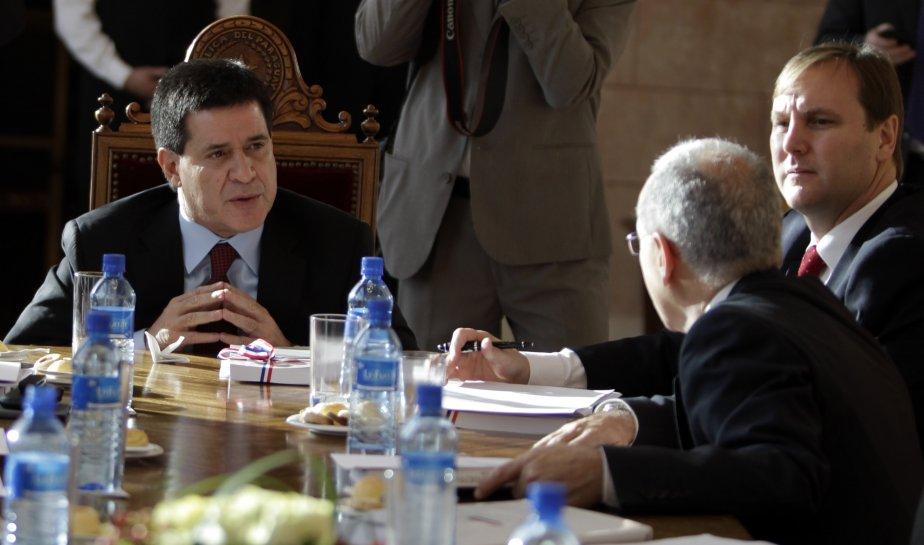 Le nouveau président du Paraguay, Horacio Cartes.... (Photo JORGE ADORNO, Reuters)