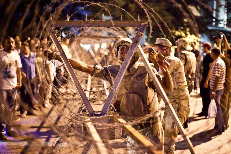 Les violences en Égypte ont fait près de... (Photo VIRGINIE NGUYEN HOANG, AFP)