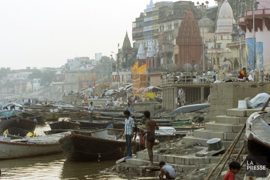Si vous en avez assez des réincarnations, c'est à Varanasi, sur les rives du...
