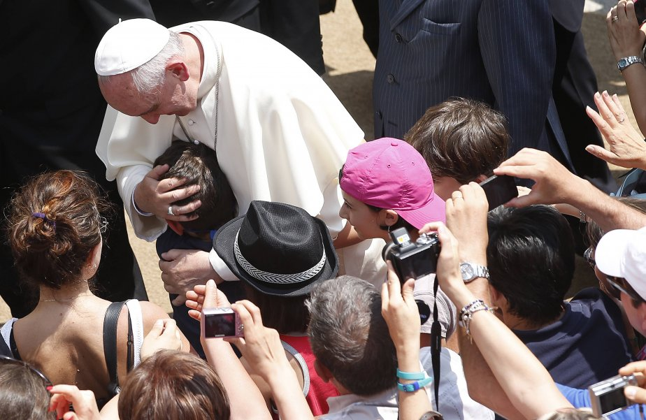 Le pape àCastel Gandolfo, où se trouvela résidence... (Photo TONY GENTILE, Reuters)