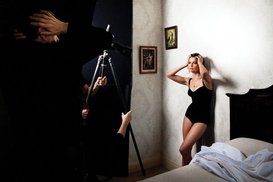 Le célèbre photographe de mode met en valeur... (Photo Mario Testino (Dolce&Gabbana))