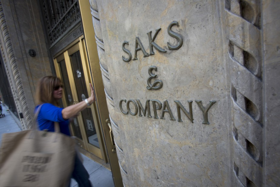 Saks Fifth Avenue OFF 5TH ouvrira deux autres magasins au... (PHOTO BLOOMBERG)
