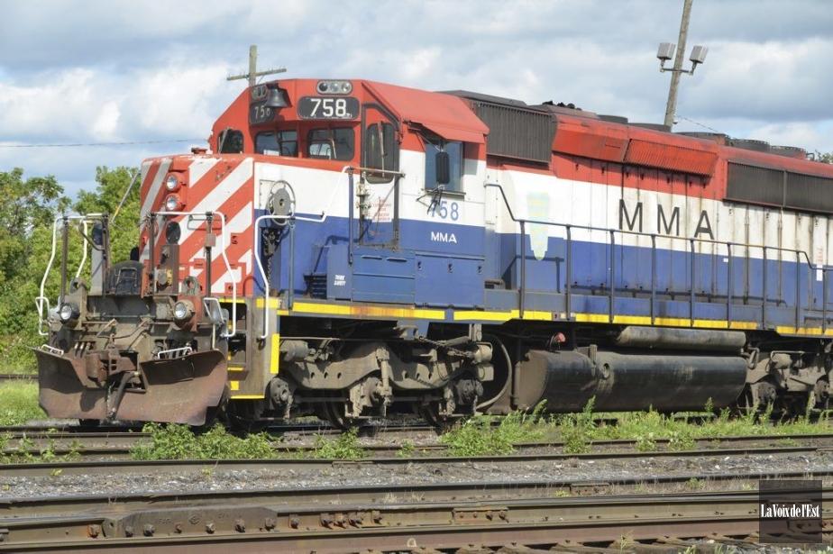 Un train de la Montreal Maine Atlantic Railway.... (PHOTO MAXIME SAUVAGE, LA VOIX DE L'EST)