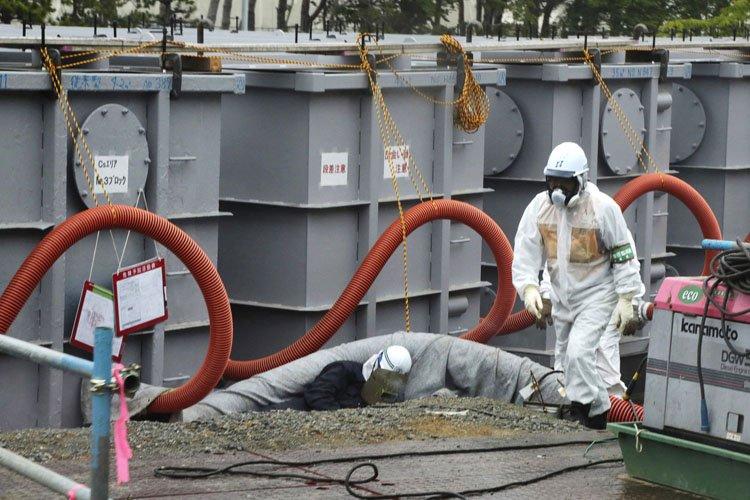 Des flaques d'eau extrêmement radioactive ont été découvertes... (Photo: Reuters)