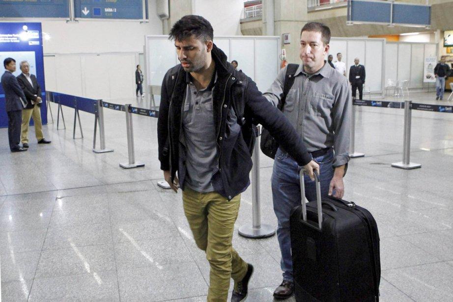 David Miranda (à gauche), le compagnon du journaliste... (PHOTO MARCELO PIU, AFP/AGENCIA O GLOBO)