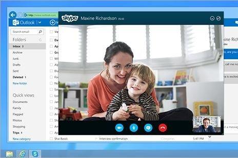 Il est possible de profiter de vidéoconférences par... (Photo Microsoft)