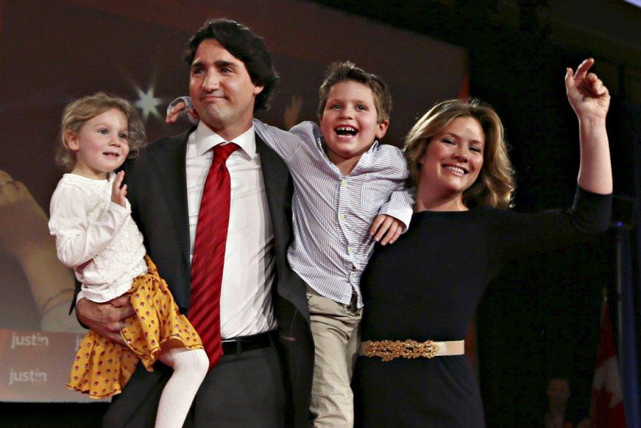 Justin Trudeau et son épouse, Sophie Grégoire, avec... (PHOTO CHRISTINNE MUSCHI, REUTERS)