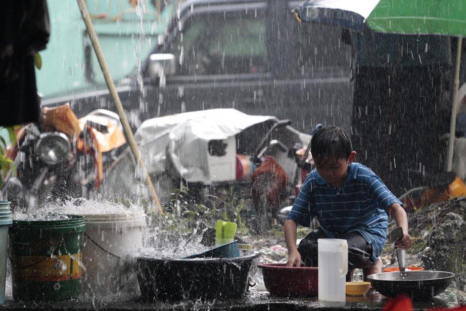 Les Philippines essuient chaque année une vingtaine de... (Photo Aaron Favila, AP)