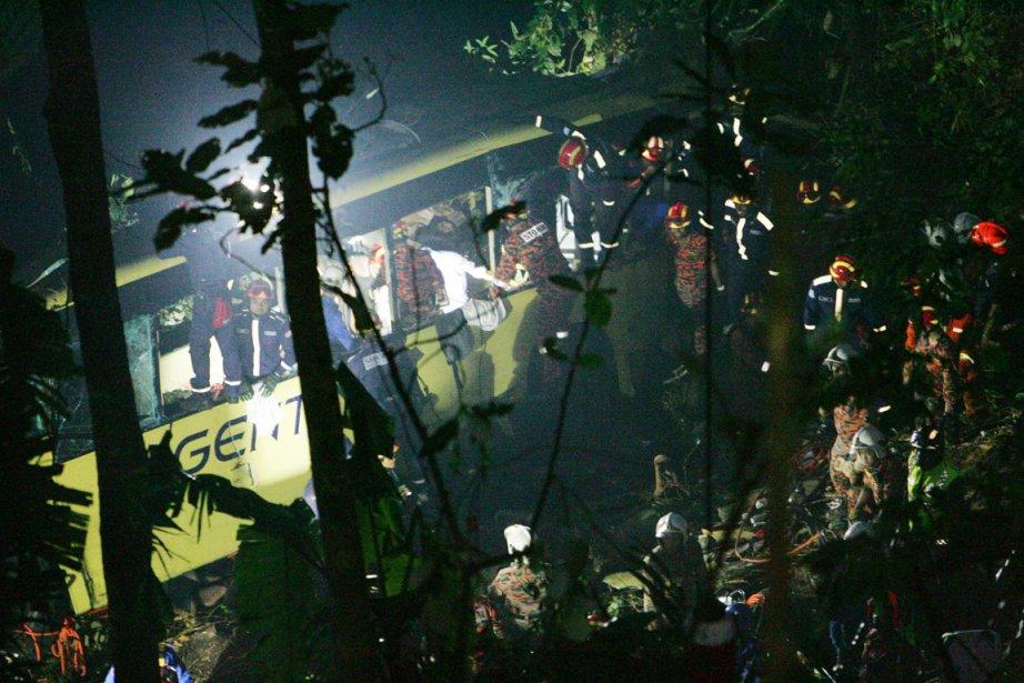 Le bilan pourrait s'alourdir, car seize autres passagers... (PHOTO AP)