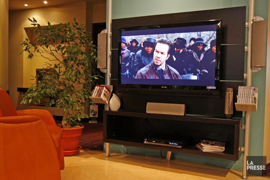 Super Écran a un monopole au petit écran... (PHOTO ROBERT MAILLOUX, ARCHIVES LA PRESSE)