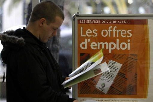 La hausse du chômage a relancé en France... (Photo archives Reuters)
